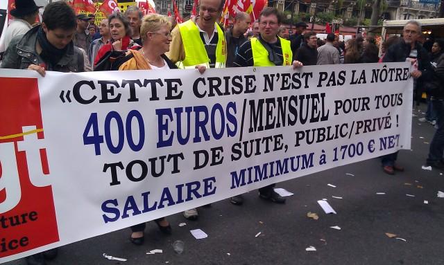 Cette crise n'est pas la nôtre. 400 euros mensuel pour tous tout de suite, public/privé! Salaire minimum à 1700 euros net (CGT préfecture de police)
