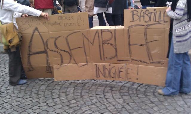Assemblée indignée, démocratie réelle ici et maintenant après la manif!