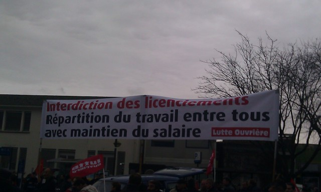 Interdiction des licenciements, répartition du travail entre tous avec maintien des salaires, Lutte Ouvrière [Prohibition of layoffs, division of labor among all with maintaining of wages, Workers' Struggle]