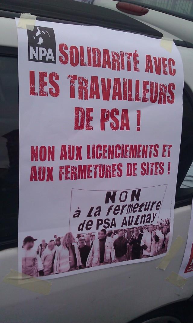 Solidarité avec les travailleurs de PSA! Non aux licenciements et aux fermetures de sites!, NPA [Solidarity with PSA workers! No layoffs and no closing down of sites!, NPA]