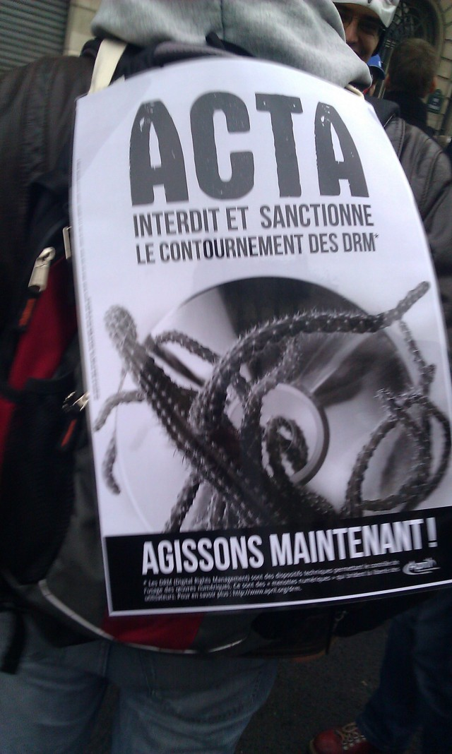 ACTA interdit et sanctionne le contournement des DRM. Agissons maintenant, April [ACTA prohibits and penalizes the circumvention of DRM. Let us act now, April]