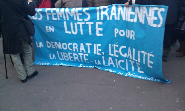 Les femmes iraniennes en lutte pour la démocratie, l'égalité, la liberté et la laïcité, ligue des femmes iraniennes pour la démocratie [Iranian women fighting for democracy, equality, freedom and secularism, Iranian Women League for Democracy]