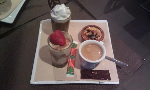 Café gourmand : café, crème brûlée, tiramisu, mousse au chocolat [Gourmet coffee: coffee, creme brulee, tiramisu, chocolate mousse]