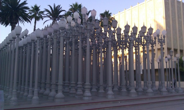 sculpture Urban Light de Chris Burden [Urban Light sculpture by Chris Burden]