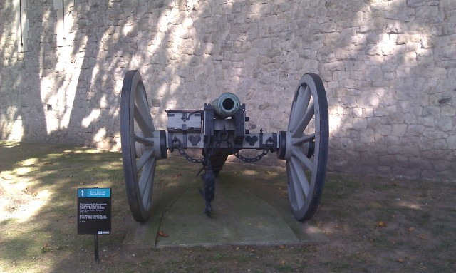 Canon en bronze de 6 livres [Bronze 6-pounder gun and carriage]