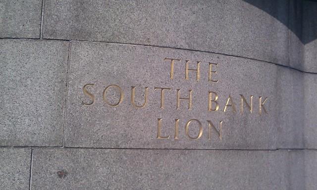 Le lion de la banque du sud [The South Bank Lion]
