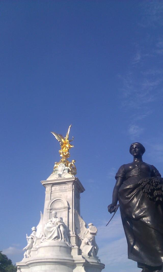 Mémorial de Victoria [Victoria Memorial]
