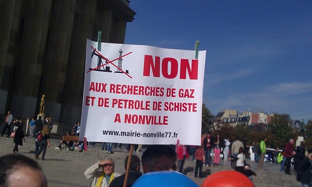 Non aux recherches de gaz et de pétrole de schiste à Nonville [No to researches of shale oil and gas in Nonville]