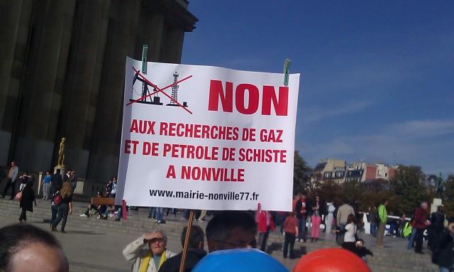 Non aux recherches de gaz et de pétrole de schiste à Nonville [No to researches of shale oil and gas in Nonville]