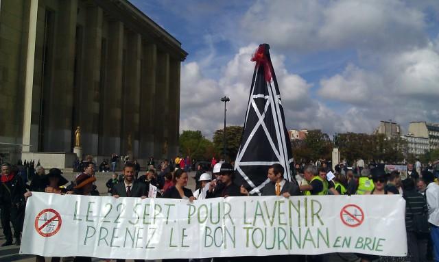 Le 22 septembre, pour l'avenir, prenez le bon Tournan-En-Brie [September 22nd, for the future, take the good Tournan-En-Brie]