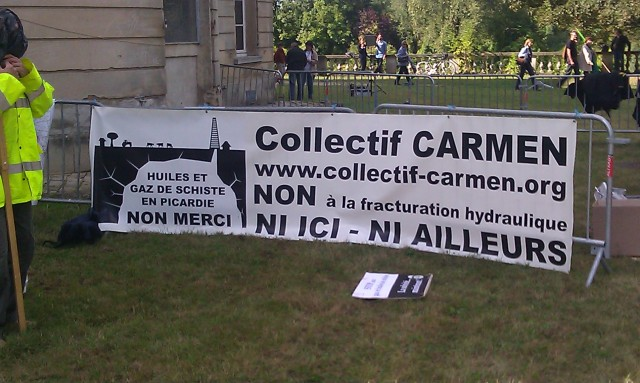Huiles et gaz de schiste en Picardie, non merci. Non à la fracturation hydraulique, ni ici ni ailleurs, comité Carmen [Shale oil and gas in Picardy, no thanks. Hydraulic fracturing, neither here nor elsewhere, Carmen's committee]
