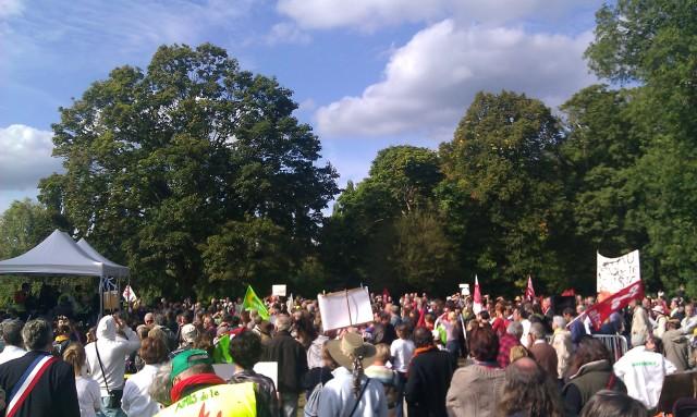 Manifestation contre le gas de schiste à Tournan-En-Brie [Demonstration against shale gas in Tournan-En-Brie]