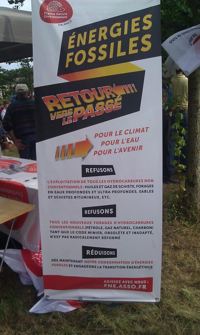 Energies fossiles, retour vers le passé, France nature environnement [Fossil energies, return to the past, France nature environment]