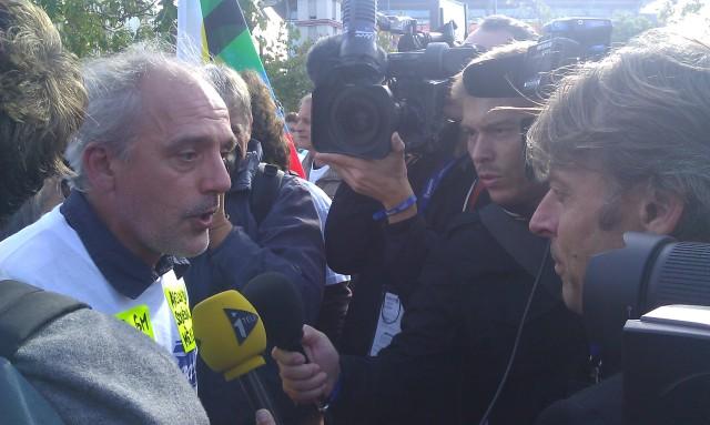 Philippe Poutou répond à Itélé [Philippe Poutou responds to iTélé]
