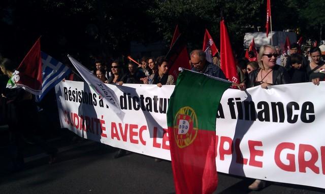 Résistons à la dictature de la finance, solidarité avec le peuple grec [Let us resist the dictatorship of finance, solidarity with the Greek people]