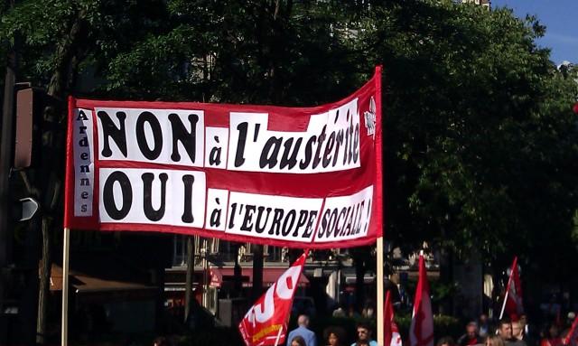 Non à l'austérité, oui à l'Europe sociale [No to the austerity, yes to the social Europe]