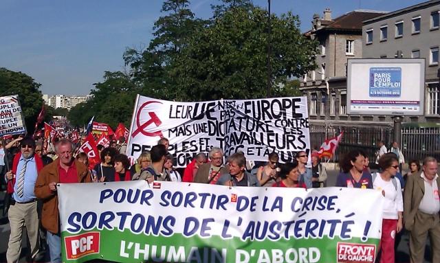Pour sortir de la crise, sortons de l'austérité. L'humain d'abord, PCF [Let us get out of the austerity to get out of the crisis. The human being first, PCF]