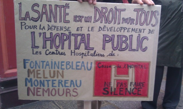 La santé est un droit pour tous. Pour la défense et le développement de l'hôpital public, centres hospitaliers de Fontainebleau, Melun, Montereau et Nemours [Health is a right for all. For the defense and development of the public hospital, hospitals in Fontainebleau, Melun, Nemours and Montereau]