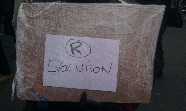 (R)évolution [(R)evolution]