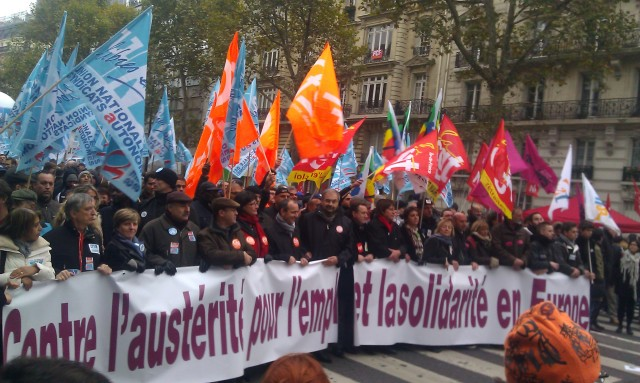 Contre l'austérité, pour l'emploi et la solidarité en France [Against austerity, for the employment and the solidarity in France]