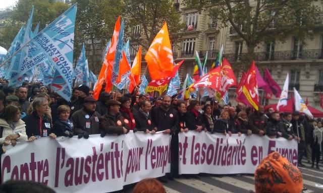 Contre l'austérité, pour l'emploi et la solidarité en France [Against austerity, for the employment and the solidarity in France]