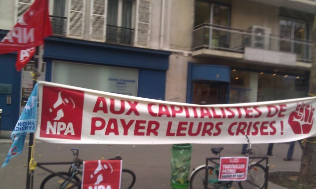 Aux capitalistes de payer leurs crises, NPA [The capitalists have to pay for their crisis, NPA]