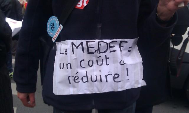 Le MEDEF, un coût à réduire [The MEDEF, a cost to reduce]