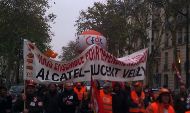 Tous ensemble pour défendre l'emploi, Alcatel-Lucent Velizy [All together to defend employment, Alcatel-Lucent Velizy]