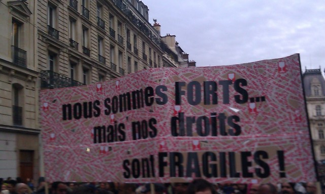Nous sommes forts... mais nos droits sont fragiles [We are strong ... but our rights are fragile]