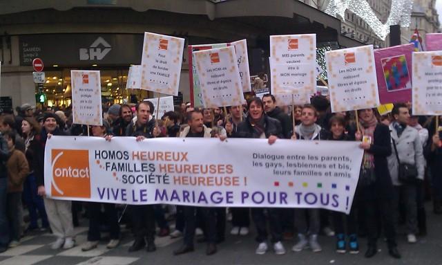 Homos heureux, familles heureuses, société heureuse, vive le mariage pour tous, Contact [Happy gays, happy families, happy society, long live marriage for all, Contact]