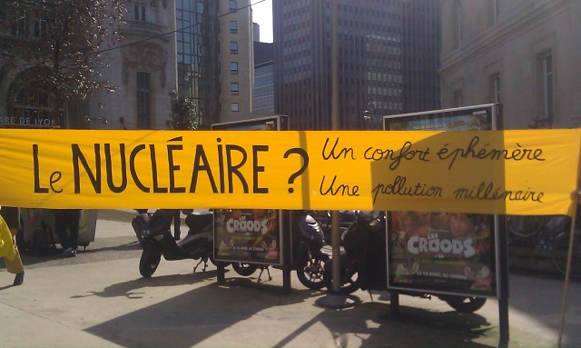 Le nucléaire? Un confort éphémère, une pollution millénaire [Nuclear energy? An ephemeral comfort, thousand years of pollution]