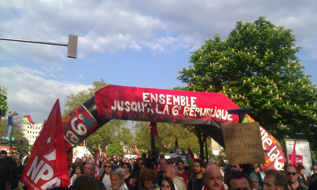 Ensemble jusqu'à la sixième république [Together until the sixth republic]