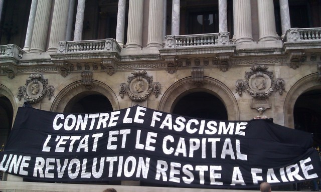 Contre le fascisme, l'état et le capital, une révolution reste à faire [Against fascism, the state and the capital, a revolution remains to be done]