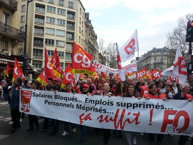 Salaires bloqués... emplois supprimés... personnel méprisé... ça suffit! CGT et FO [Blocked salaries... job cuts... despised staff... that's enough! CGT and FO]