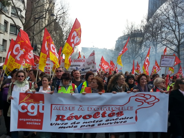 Aide à domicile, révoltés, vivre de nos salaires mais pas survivre, CGT [Rebel home assistants, live from our wages but not survive, CGT]