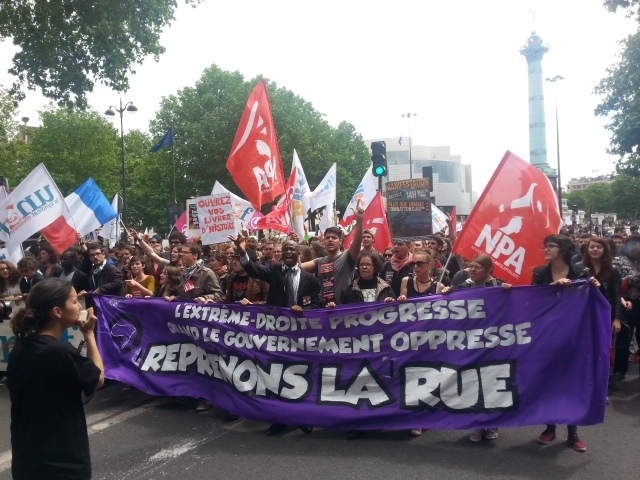L'extrême droite progresse quand le gouvernement oppresse, reprenons la rue [The far-right wing progresses when the government oppresses. Let us take back the street]