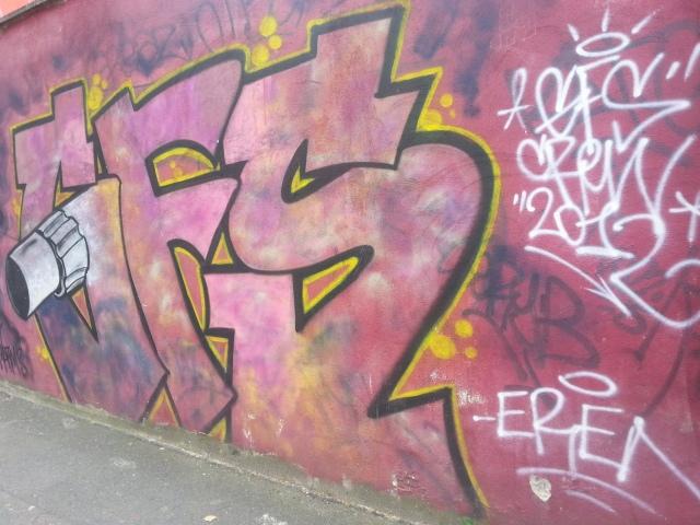 Art de rue à Bagnolet, 32 rue du Lieutenant Thomas [Street art in Bagnolet, 32 Lieutenant Thomas' street]