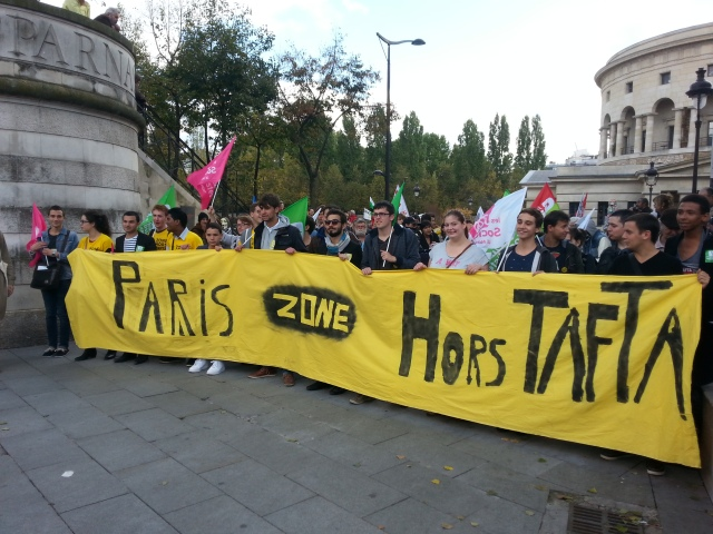 Paris Zone hors TAFTA, jeunes socialistes [Paris Off TAFTA area, young socialists]