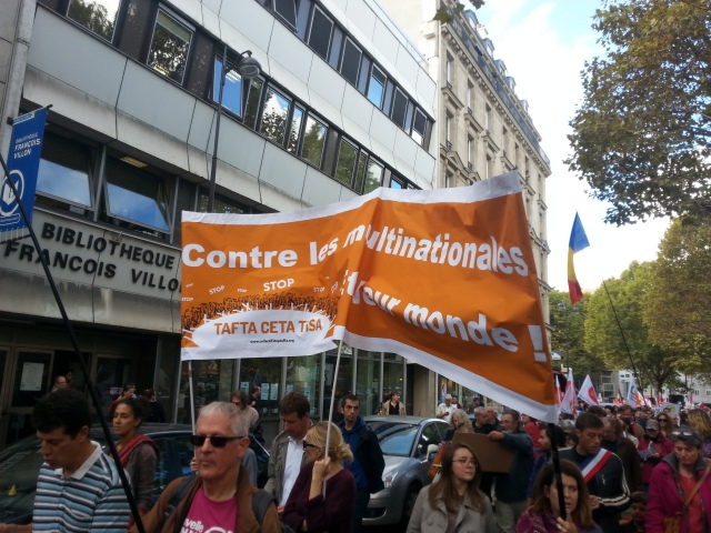 Contre les multinationales et leur monde, collectif stop TAFTA [Against the multinationals and their world, stop TAFTA collective]