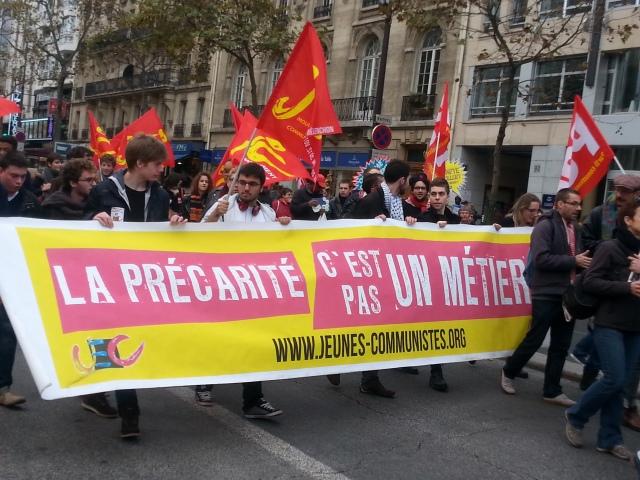 La précarité c'est pas un métier, jeunes communistes [Precariousness isn't a job, young communists]