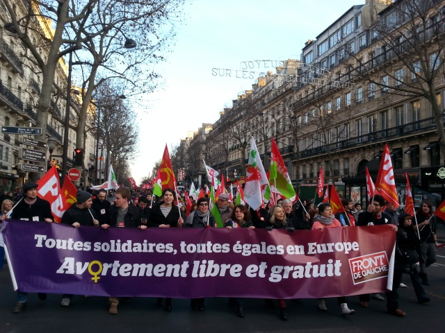 Toutes solidaires, toutes égales en Europe, avortement libre et gratuit, Front de Gauche [Solidarity for all, all equal in Europe, free of charge and free abortion, left-wing front]