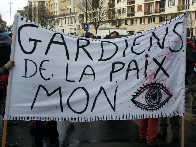 Gardiens de la paix, mon oeil [Peacekeepers, pull the other one]