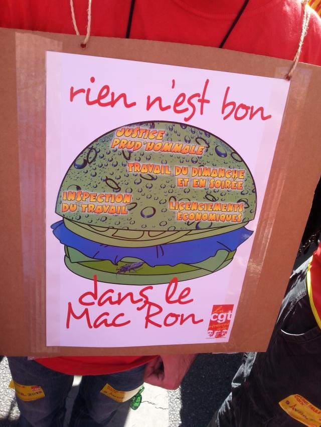 Rien n'est bon dans le Mac Ron, CGT [Nothing is good in the Mac Ron, CGT]