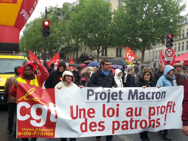 Projet Macron, une loi au profit des patrons, CGT Ile-de-France [Macron project, a law profitable to the bosses, CGT Paris metropolitan region]