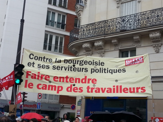 Contre la bourgeoisie et ses serviteurs politiques, faire entendre la voix des travailleurs, Lutte Ouvrière [Against the bourgeoisie and its political servants, sound the voice of the workers, worker's struggle]
