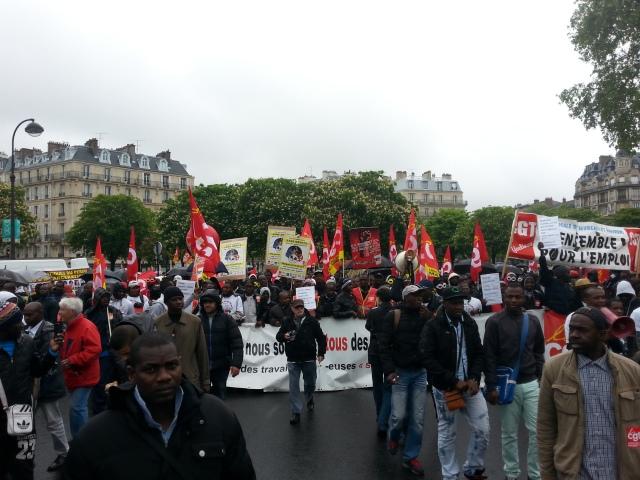 travailleurs sans papiers [undocumented workers]