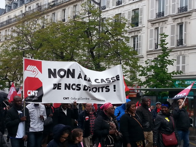 Non à la casse de nos droits, CNT [No to the breaking of our rights, CNT]
