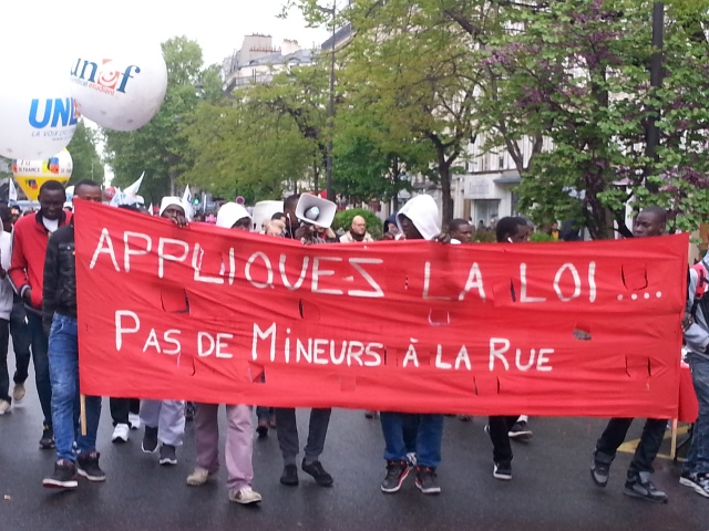 Appliquez la loi, pas de mineurs à la rue [Apply the law, no minors on the streets]