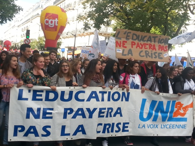 L'éducation ne payera pas la crise, UNL [Education won't pay for the crisis, UNL]