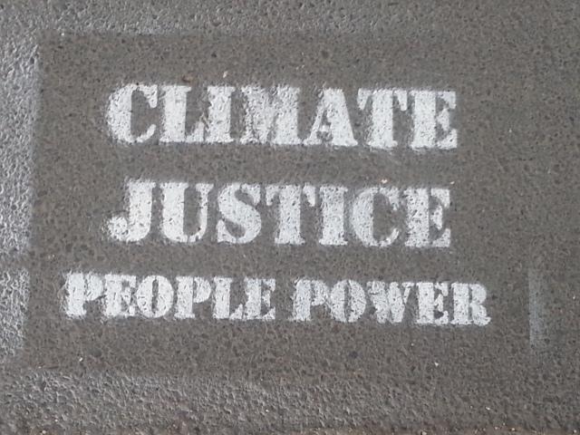 Justice climatique, pouvoir au peuple [Climate justice, people power]
